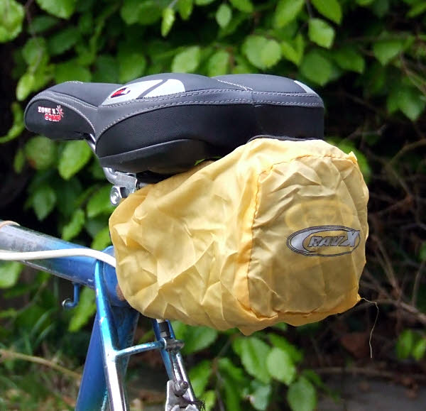 Classic-X, Medium Wedge Saddle Bag with Rain Cover - Expanding